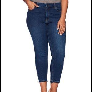 NYDJ Alina Released Raw Hem Capri Jeans